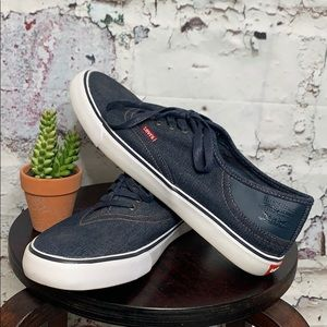 Men's Levi's sneakers size 12